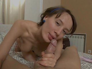 Fabulous petite chippie Agnese has magnificent face screwing with hardcore lad Tommy