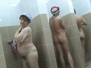 Look at how real amateurs are taking shower in public places and washing their holes