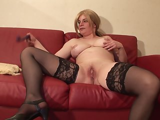Big cock guy drilling her fresh mature pussy hardcore