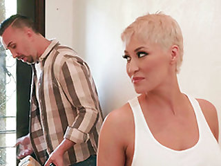 Kinky fucking session with blonde chick Ryan Keely