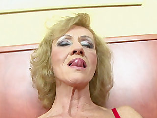 Chocolate fella drilling the coochie of his amazing blonde milf