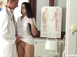 Nurse needs that hard doctor cock in her pussy
