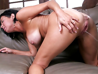 Porn video: Veronica Avluv - Wife Breeders