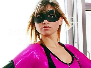 Slut in superhero costume makes hardcore porn