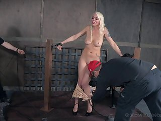 Gorgeous Lorelei Lee is up for all sorts of kinky erotic games