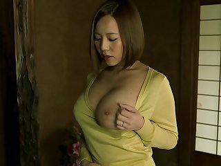 Time for this voluptuous Japan mom to have her mouth filled with jizz after this mind blowing porn show