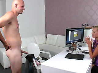 Fake agent David is banging with slender MILF Zuzana and cumming right on her cute boobies