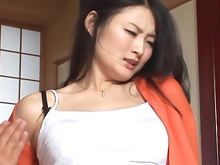 Housewife Risa Murakami toy fucked and gives a blowjob