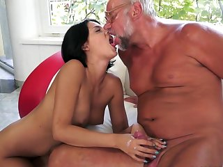 Feels good to have a fat senior cock drilling her cramped fanny in wild and passionate hardcore fuck show