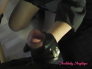 Arschlady Angelique Fucking Blowjob with Leather Gloves !!