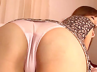 Alluring lady's pulsating cunt ravished by a buzzing toy for an orgasm