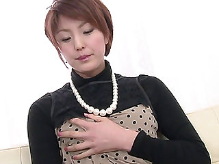 SaoriÒ's Busy With Her Vibrator On Her MILF Pussy