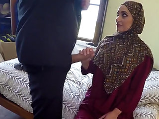 Arab cutie gets her pussy penetrated deep after giving blowjob