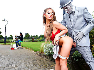 Brazzers – Fucking The Busker