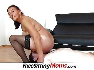 Granny pussy eating with bushy grandma Linda