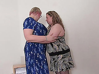 Chubby babes Wiske and Jany enjoy making each other moan