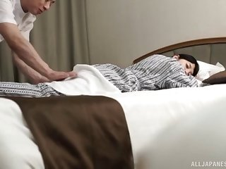 Amateur Asian girl allows the guy to play with her intimate parts
