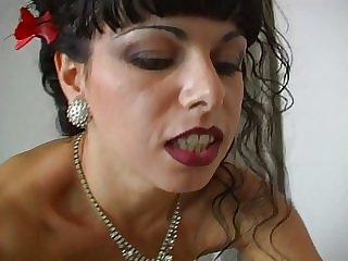 La Moglie Che Scotta - Sonia Eyes