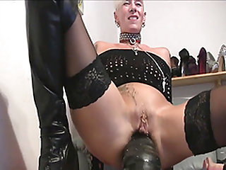 Enormous german milf  gets anal insertions !