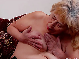 Amateur mature and grandma pictures collected in hot slideshow