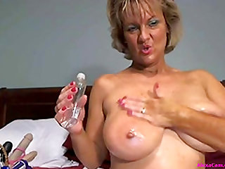 Sexy blonde mature fuck her tight pink pussy use toy