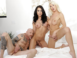 Tgirl Aubrey and Chanel and Buck Angel 3some
