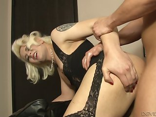 Super hot blonde tranny in black lingerie gets fucked