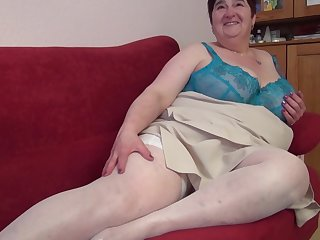 German big mature woman fingering herself nicely indoors