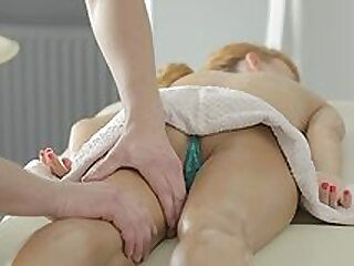 Soft sex on the massage table for Lisa Luv