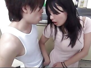 Japanese Housemaid Fucked A Plumber