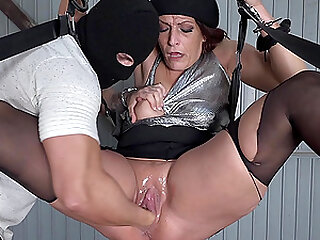 Jolie is a girl with a hungry hole gets Fisted hard...