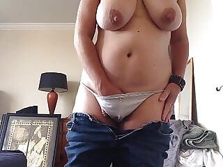 Hot tits, hairy pussy, quick cum