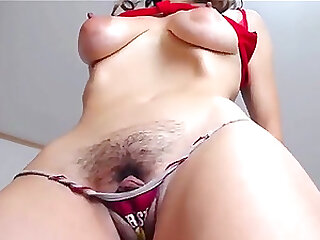 hairy pussy gets fingered and squirting live on cam