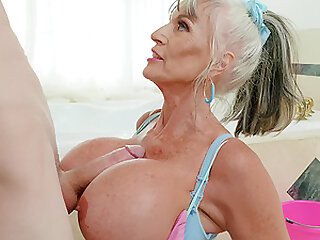 for Sally D'angel the best way to finish her sex tour is a facial