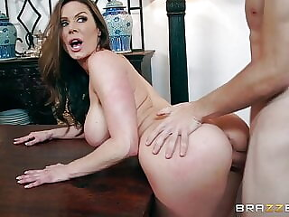 Brazzers - Kendra's Thanksgiving Stuffing - Kendra Lust