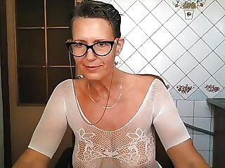 Hot Glasses Housewife.