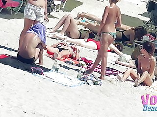Voyeur Beach Hot Topless Teens Group Hidden Cam Video