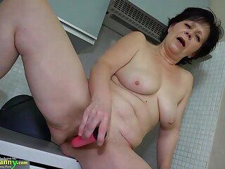 Granny mature masturbate