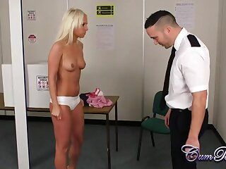 Blonde babe blows the TSA agent at the airport