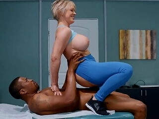 Brazzers - Ass Reduction - Isiah Maxwell, Dee Williams