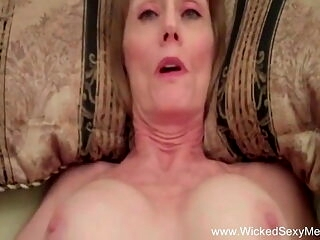 Amateur Sex With Talkative But Sexy Big Tit Blonde MILF