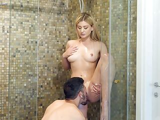 Boyfriend enjoys licking pussy in the shower and fucks Serena Avery on the bed