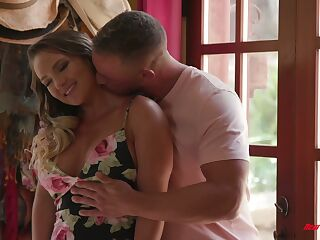 Bootylicious and busty babe Cali Carter is making love with hoeny masseur
