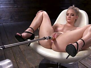 Experienced model Lisey Sweet is fucked with vibrator and fucking machine