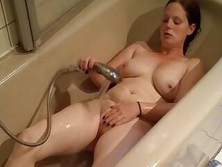 Fat ugly German BBW masturbates in bathtub! big ass and Tits