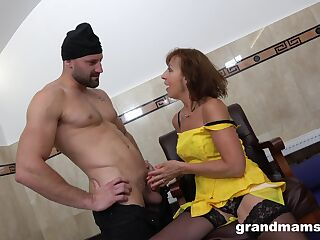 Addicted to sex granny hooks up with two young strangers