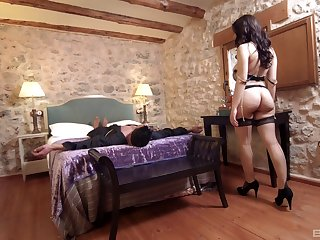 She's a breathtaking exotic babe who decides to try the anal sex