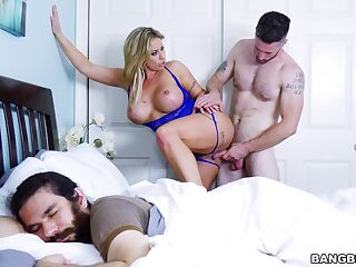 Cheating wife Eva Notty rides her lover next to her husband