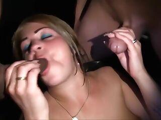 Dutch Leonie bukkake