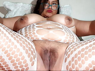 Bbw masturbating until she gets her squirt